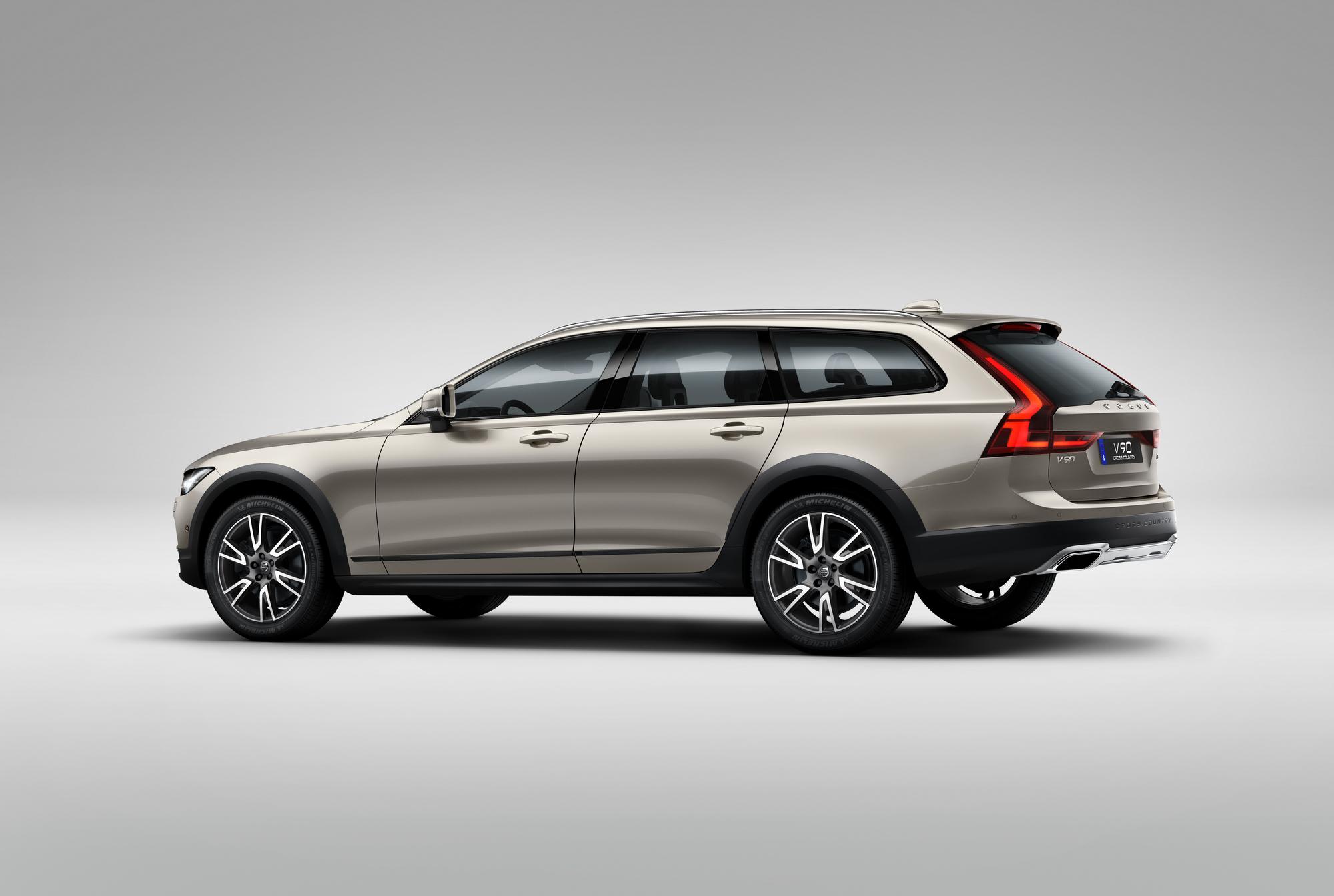 Uudet Volvot