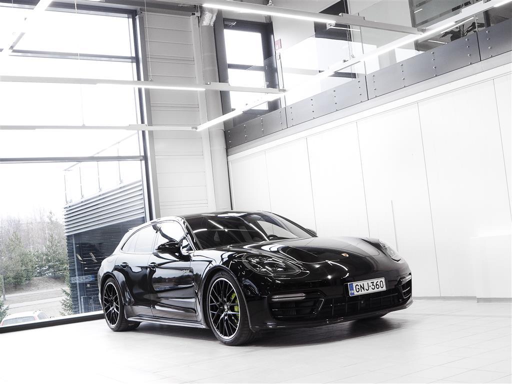 Porsche Panamera 4 E-Hybrid Sport Turismo Neliveto Aut + Nahat + Navi + BOSE + LED-valot + Night Vision + Tutkat