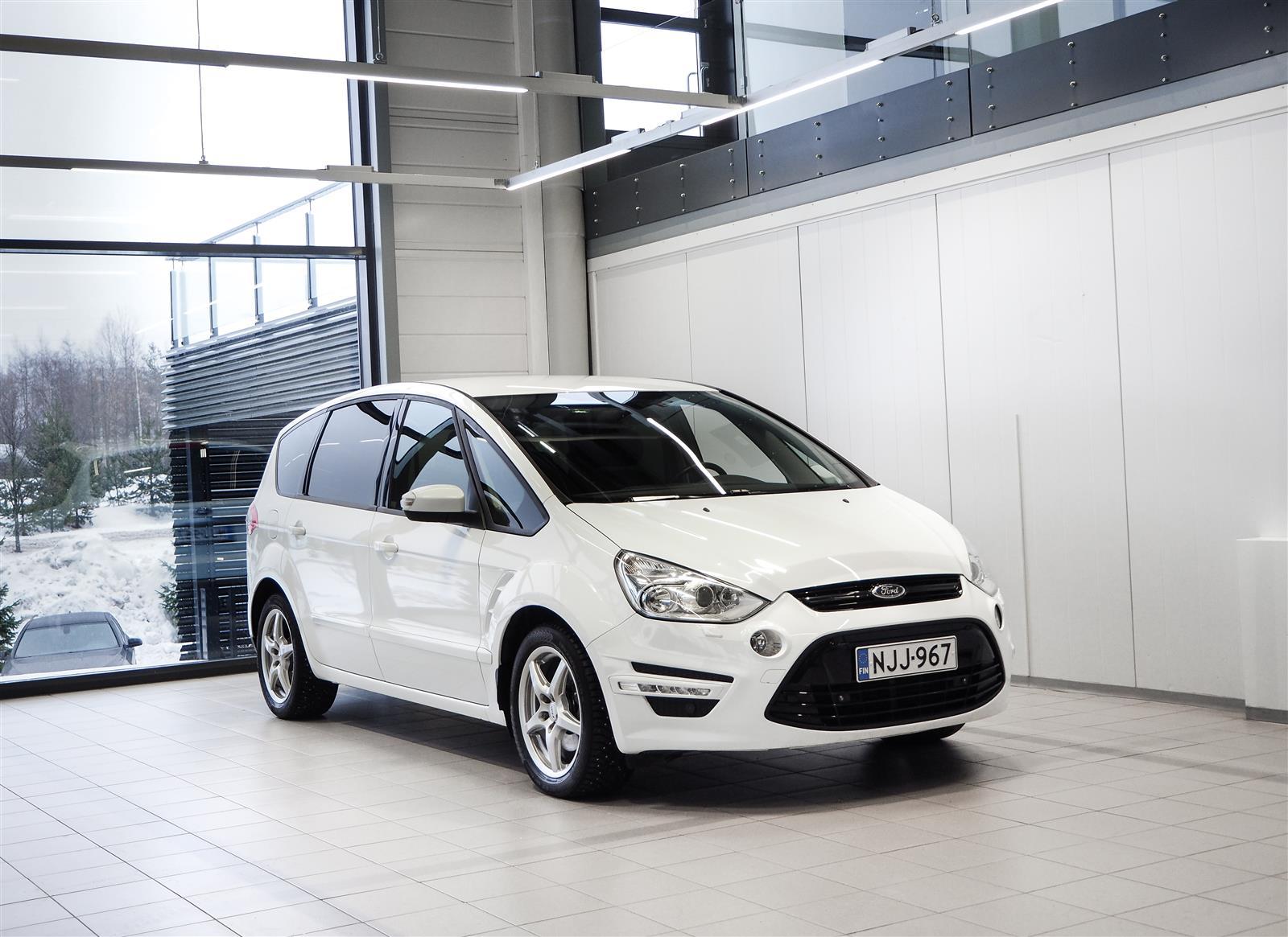 Ford S-Max 2,0 TDCi Aut + 7-Paikkainen + Navi + Webasto + BiXenon + Tutka + Sis. ALV 24%