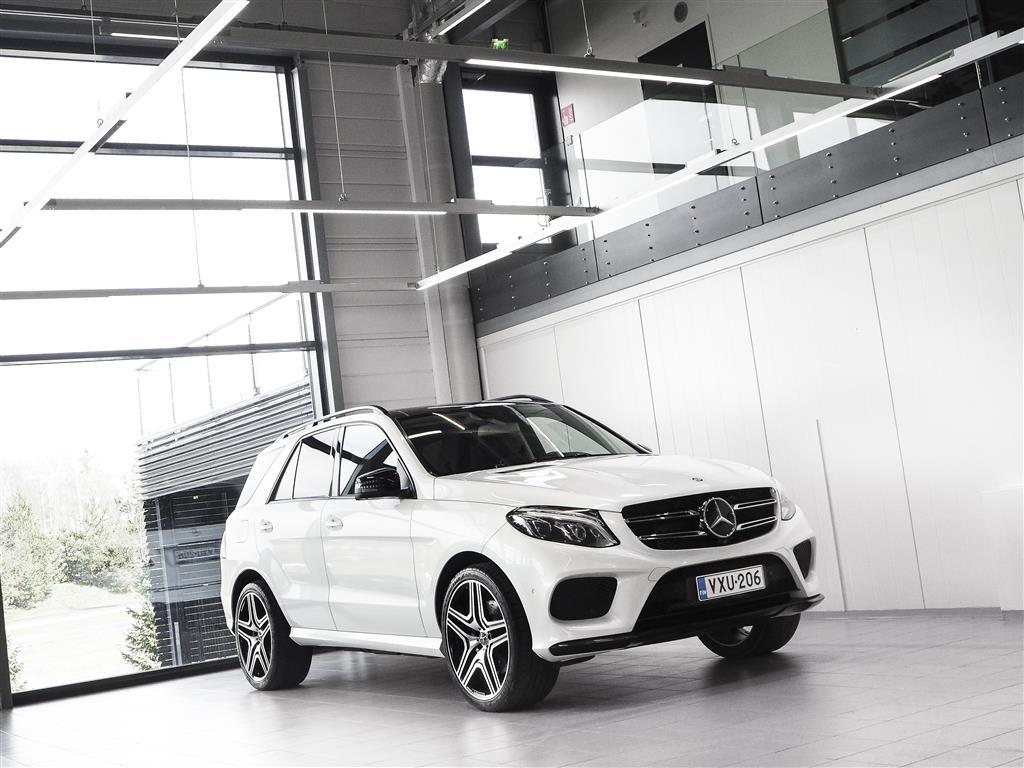 "Mercedes-Benz GLE 500e Hybrid 4Matic AMG Aut + Nahat + Navi + LED-valot + Surround View + Vetokoukku + 22"" alut"