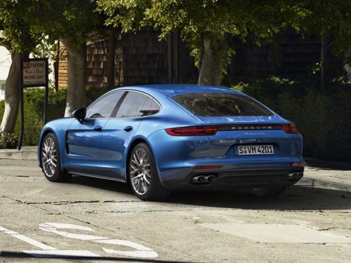 Porsche ja ympäristö