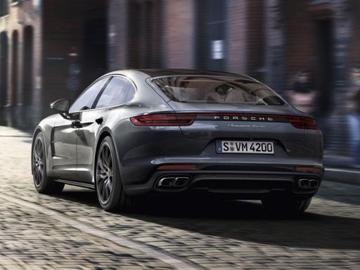 Porsche Dynamic Chassis Control Sport sis. PTV Plus